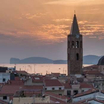 Campanile di Alghero al tramonto