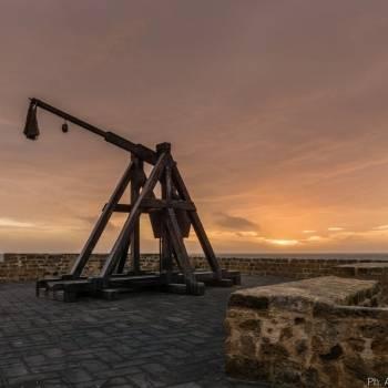 Catapulta e tramonto su Alghero