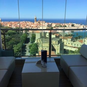 Blau Skybar coffee table