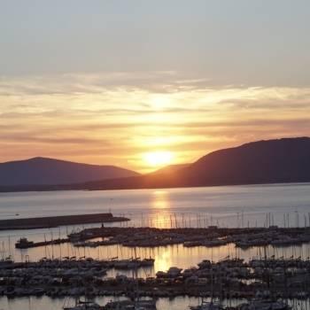 Il sole cala sul golfo di Capo Caccia