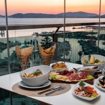 Smart gourmet restaurant