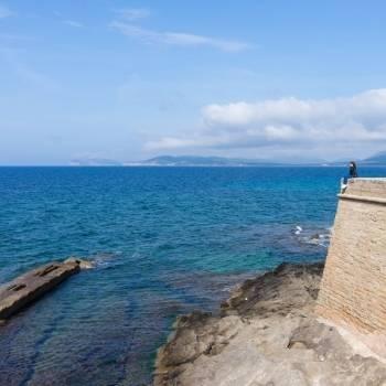Mare di fronte ai bastioni