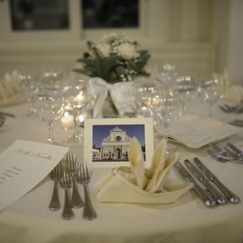 Tavolo nuziale con foto ricordo