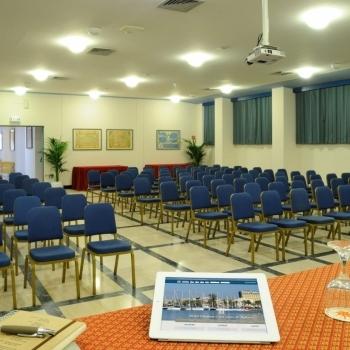 Ampia sala per congressi
