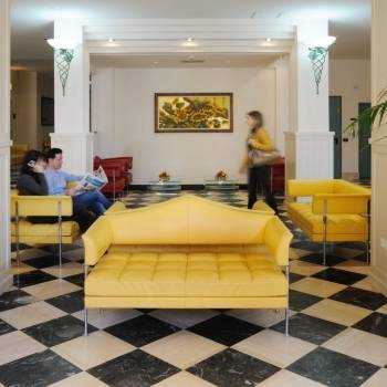 Salotto Girasoli Hotel Catalunya